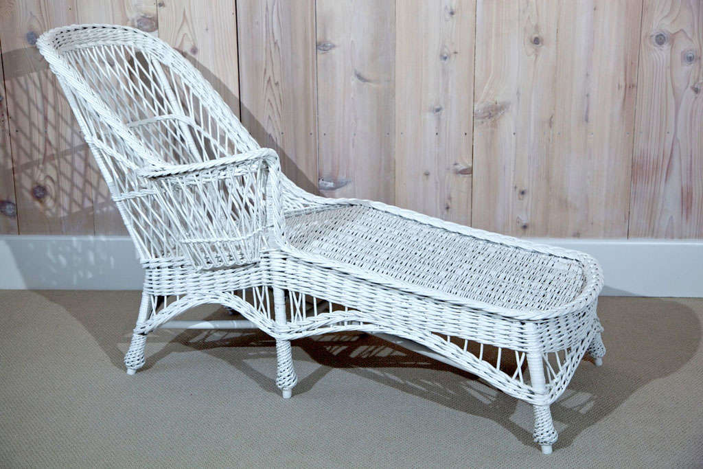 Antique wicker chaise longue at 1stdibs for Antique chaise longue