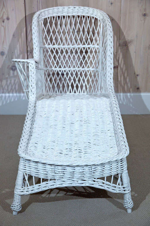 Antique wicker chaise longue at 1stdibs for Chaise longue antique