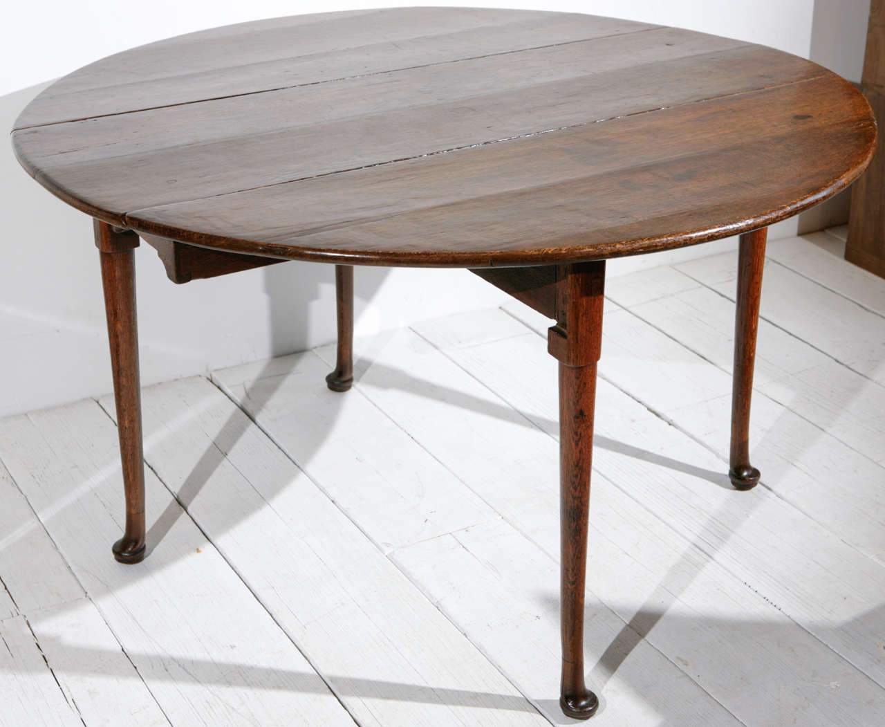 Queen Anne Walnut Drop Leaf Round Dining Table And Console At 1stdibs