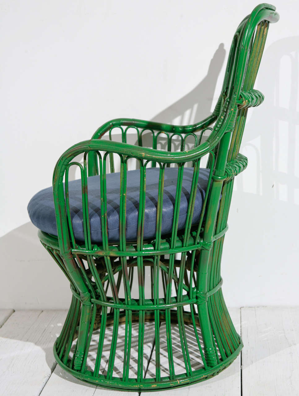 Mid-20th Century Green Wicker Armchair in the style of Gio Ponti and Lio Carminati | Small