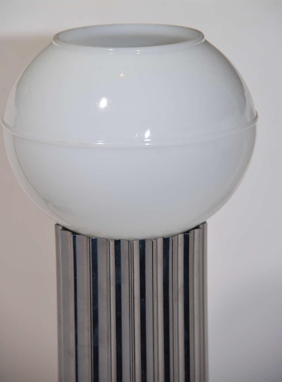 Plated Machine Age Art Deco Pair Von Nessen, Nessen Studio Fluted Chrome Table Lamps For Sale