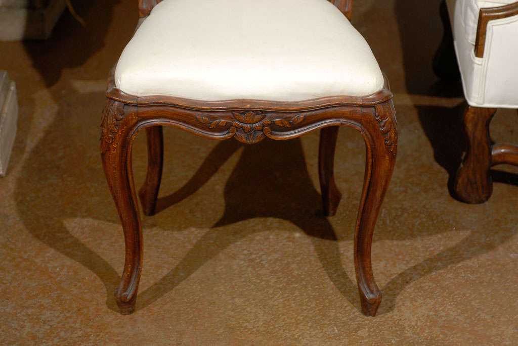 Set of Six French Louis XV Style 19th Century Walnut Dining Room Side Chairs In Good Condition For Sale In Atlanta, GA