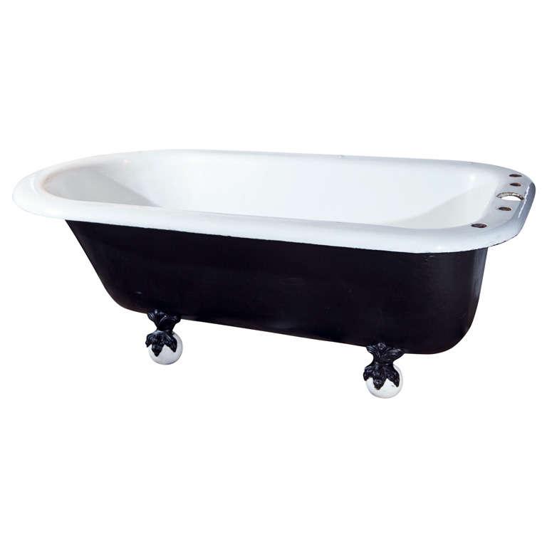 X img for Porcelain clawfoot bathtub