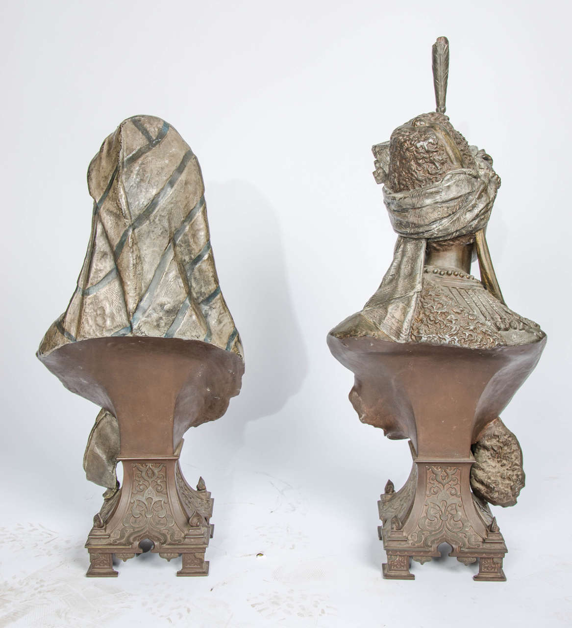 Pair of 19th Century bronzed Arab Busts For Sale 3