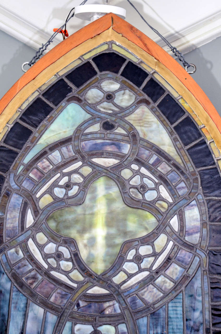 Original Tiffany Stained Glass Gothic Arched Window In Excellent Condition For Sale In New York, NY