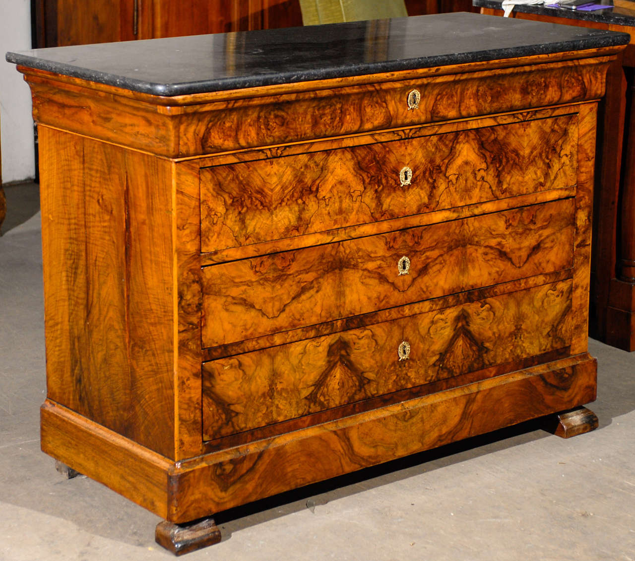 Magnificent Flame Walnut French Chest At 1stdibs