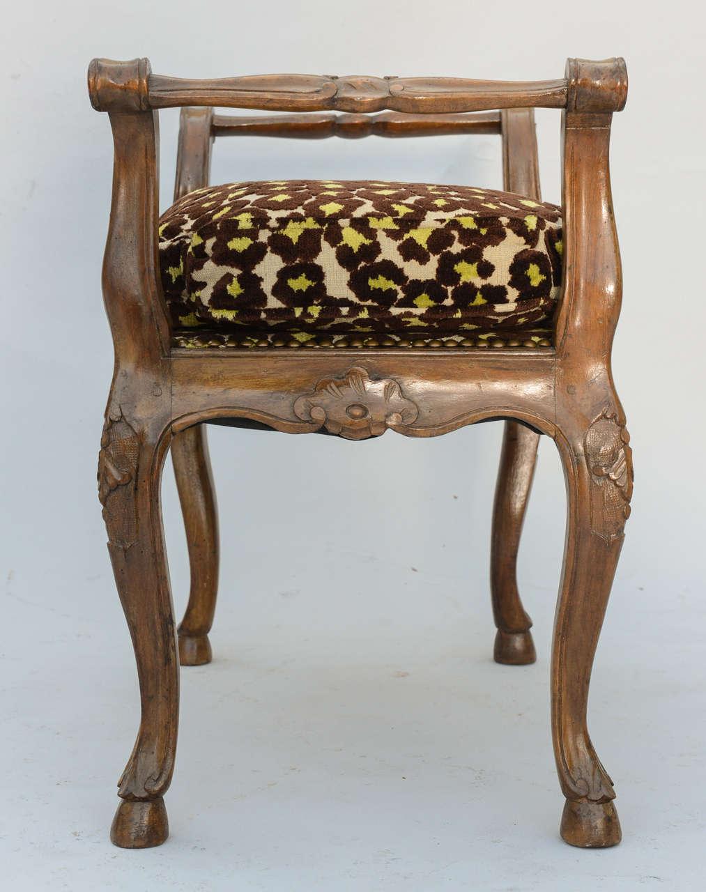 Walnut Window Seat For Sale at 1stdibs