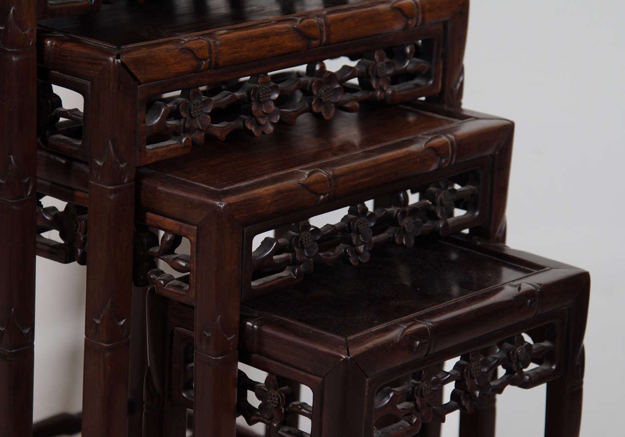Early 20th Century Set Of Chinese Rosewood Nesting Tables In Good Condition  For Sale In New