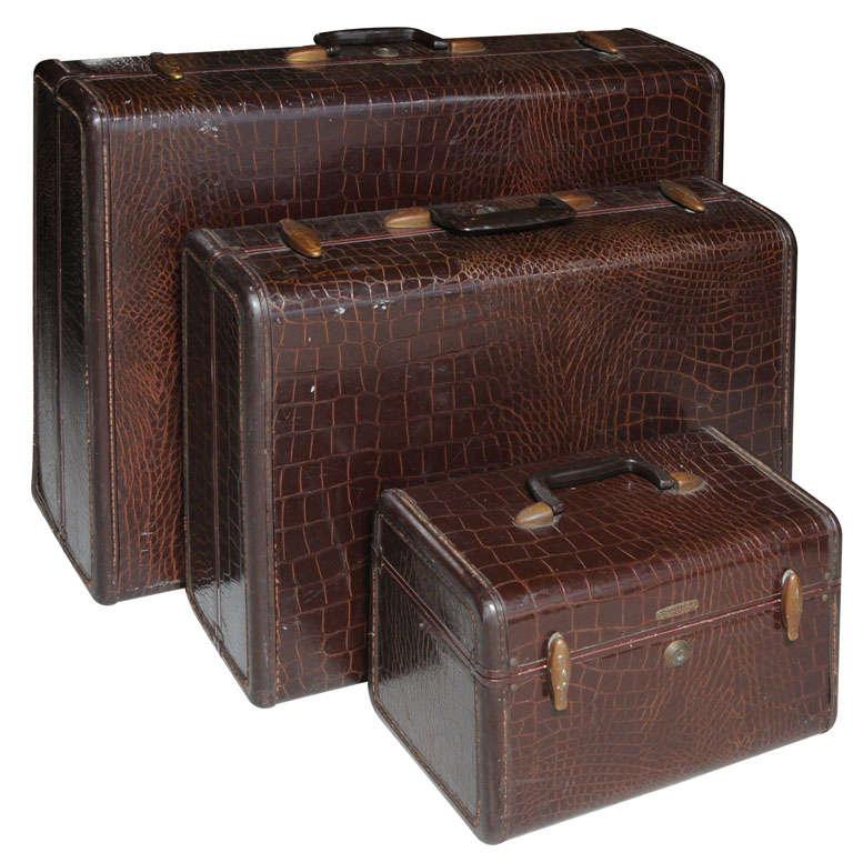 Vintage Set of Samsonite Luggage For Sale at 1stdibs