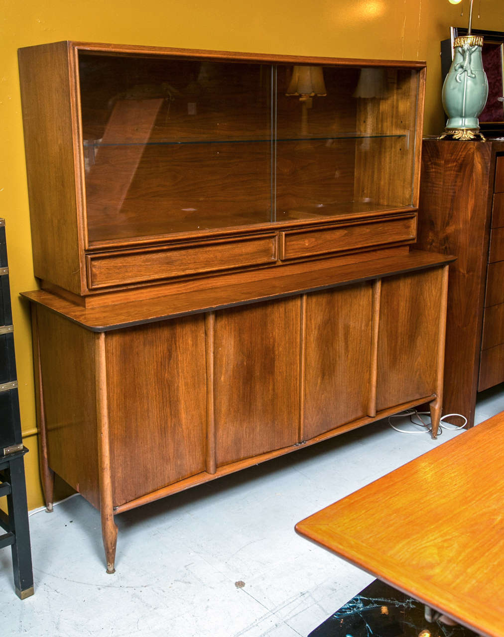Mid century breakfront by vanleigh furniture at 1stdibs for Mid century modern furniture new york