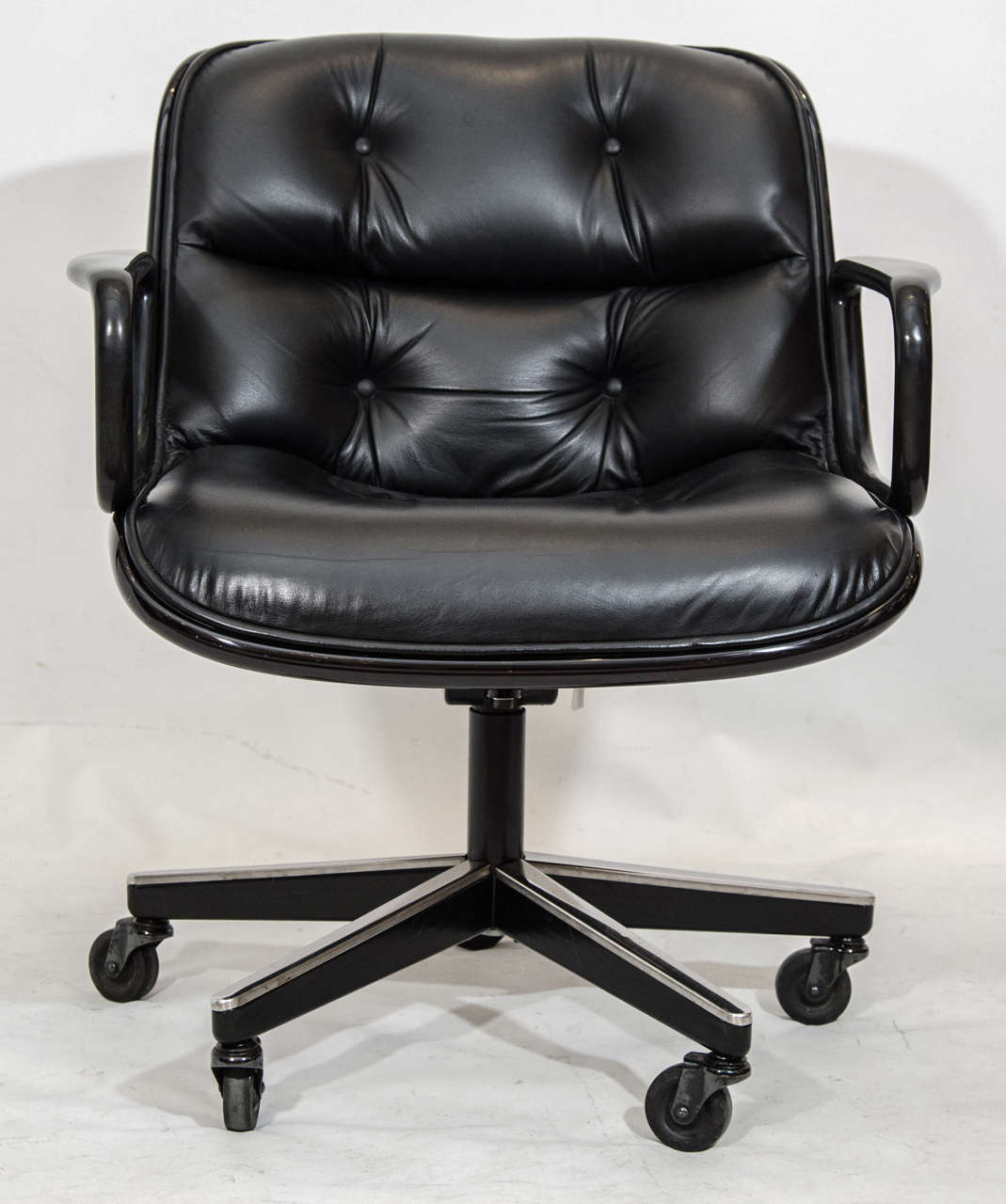 Charles Pollock Executive Desk Chair for Knoll at 1stdibs