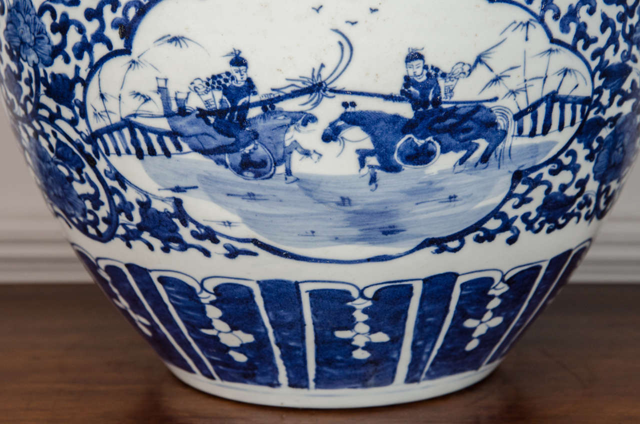 Pair of Chinese Blue and White Porcelain Fish Bowl Planters In Excellent Condition For Sale In New York, NY