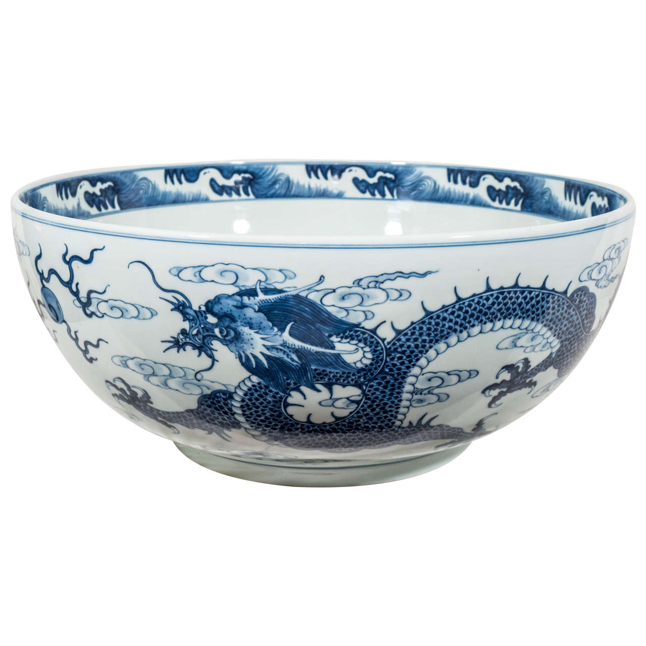 A Mive Blue And White Chinese Porcelain Dragon Bowl For