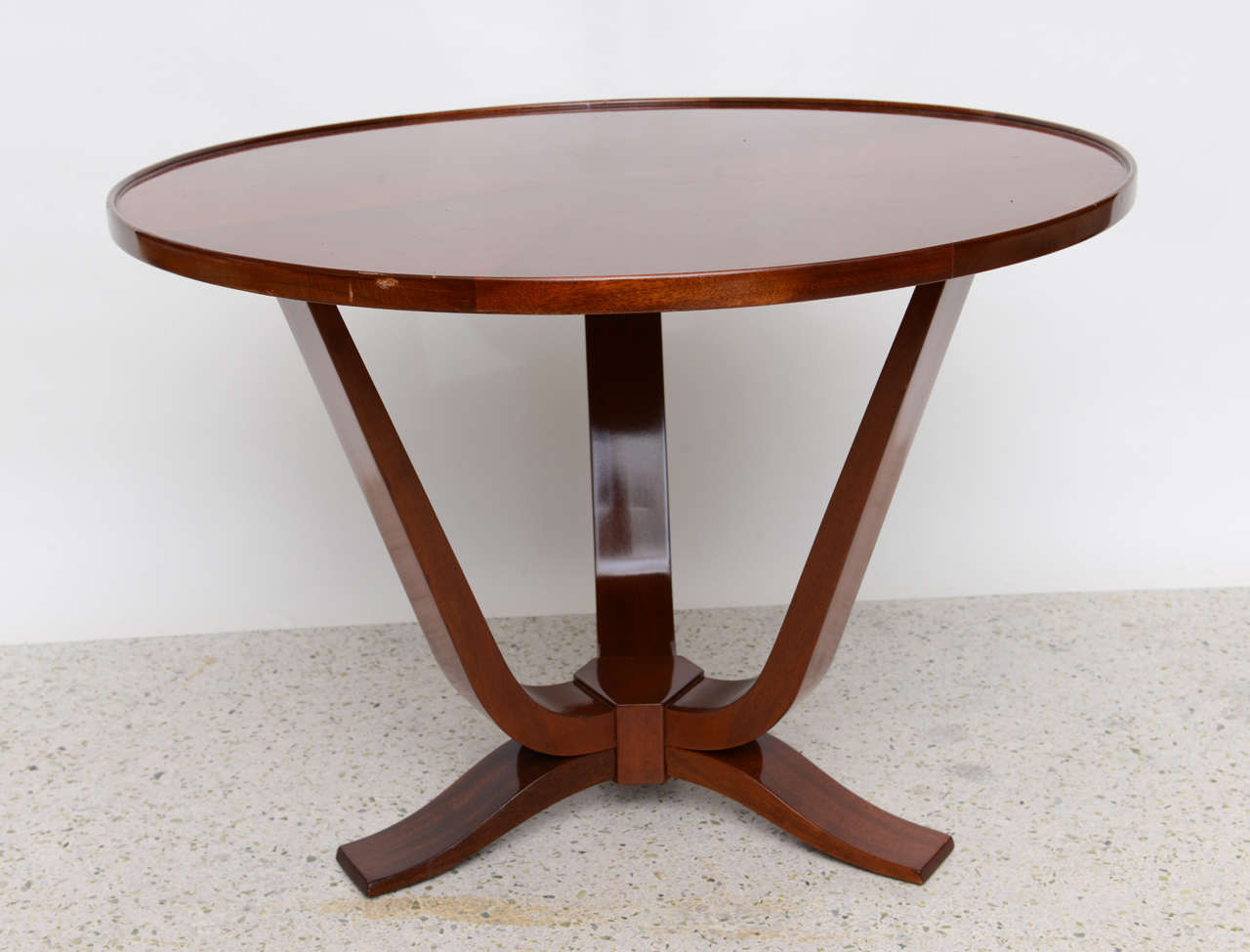 Late Art Deco Mahogany Occasional Table In Excellent Condition For Sale In Miami, FL