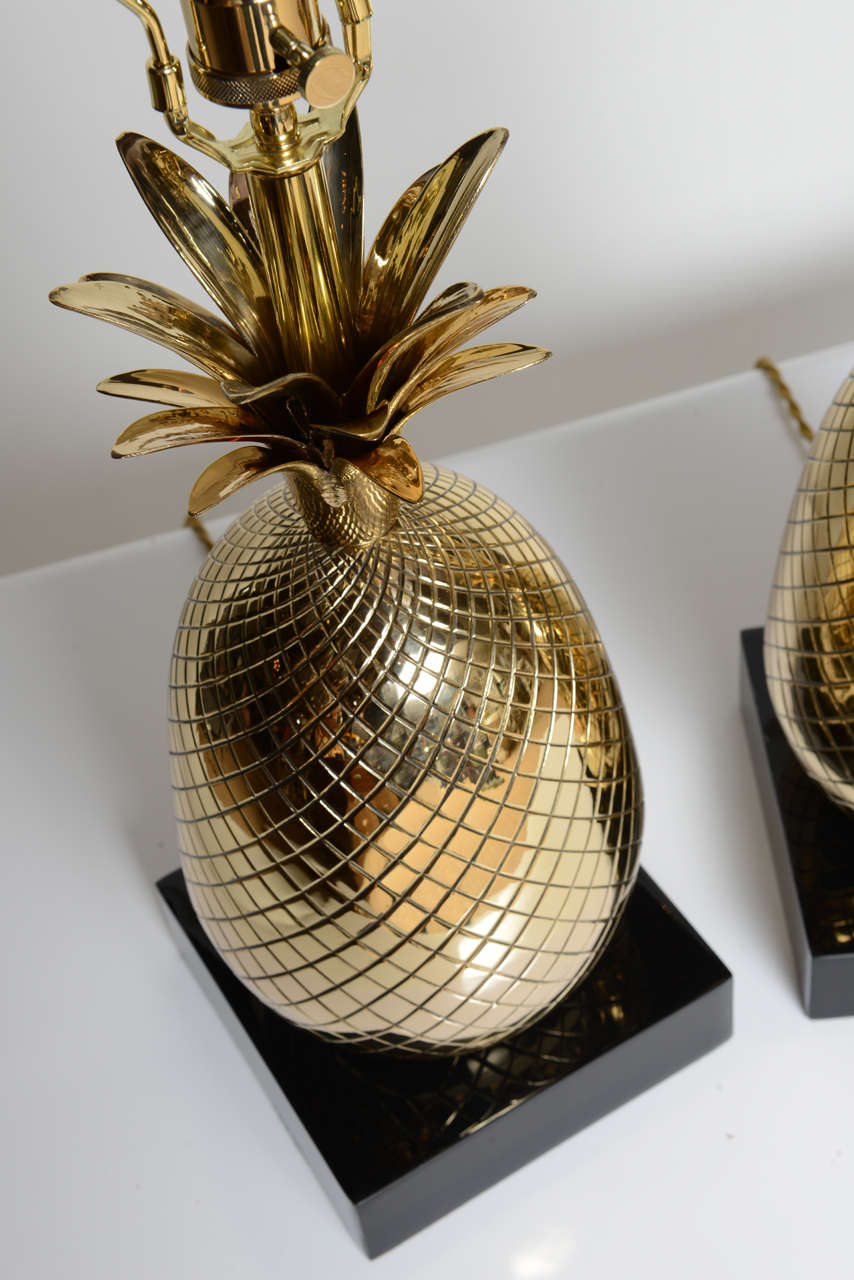 pair of polished brass pineapple table lamps at 1stdibs. Black Bedroom Furniture Sets. Home Design Ideas