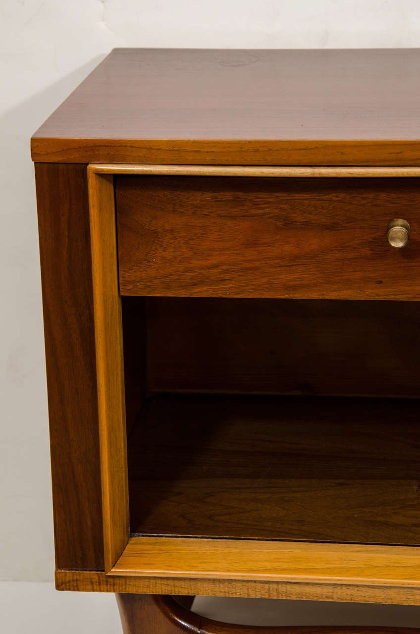 Danish Mid-Century Modern End Table In Excellent Condition For Sale In New York, NY