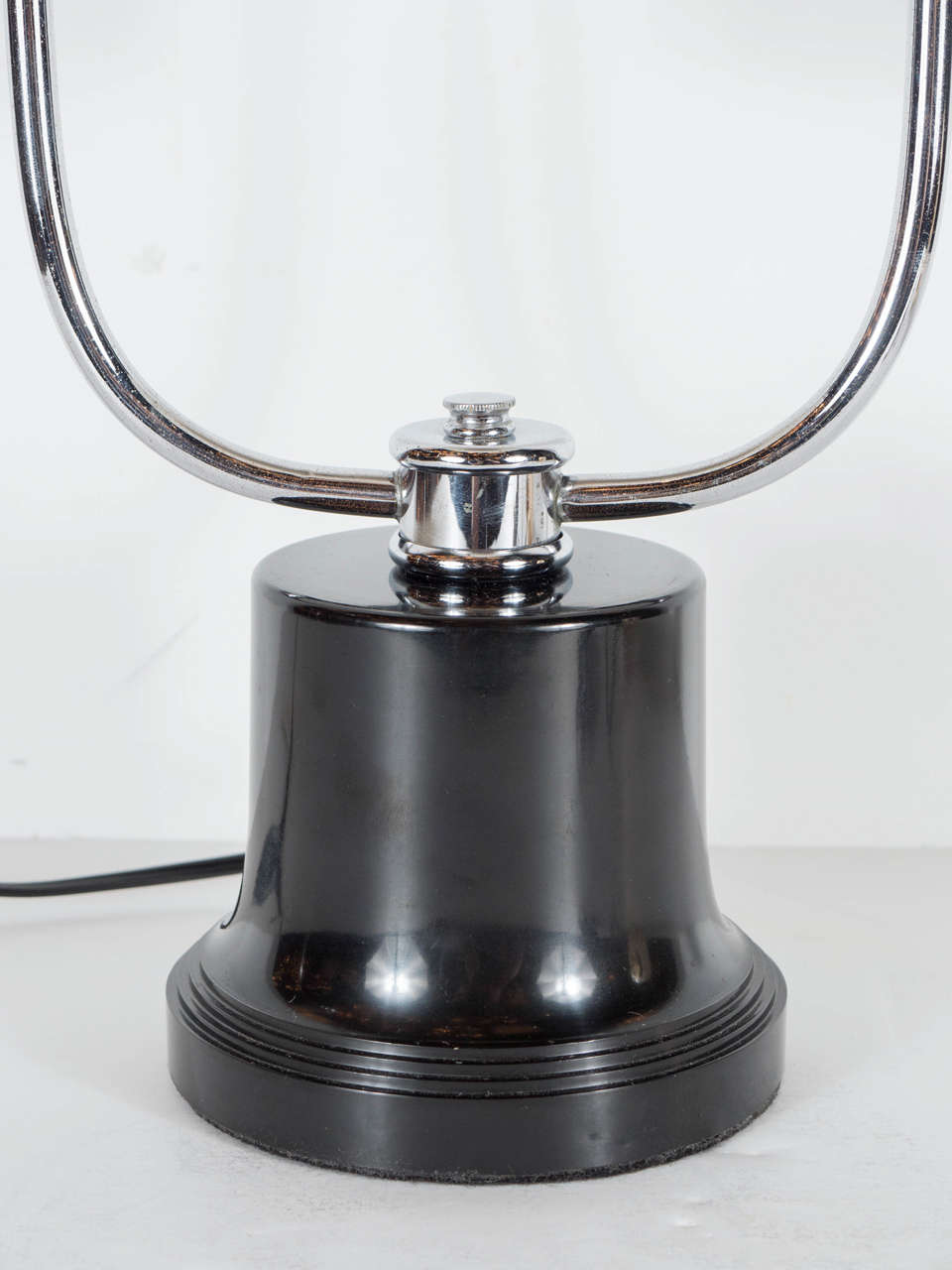 American Art Deco Machine Age Table Lamp in the Manner of Walter Von Nessen For Sale
