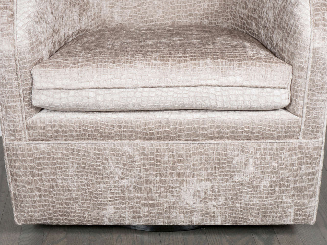American Mid-Century Modernist Swivel Chair by Milo Baughman in Crocodile Velvet For Sale
