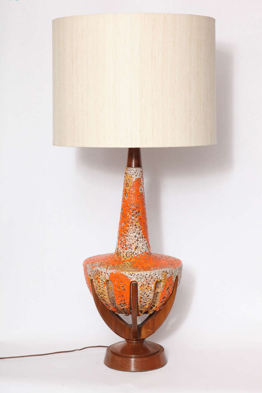 1950s modernist ceramic and wood table lamp for sale at 1stdibs. Black Bedroom Furniture Sets. Home Design Ideas