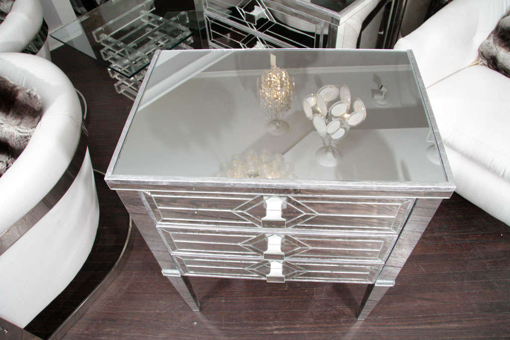 Pair of Three-Drawer Mirrored Commodes 6