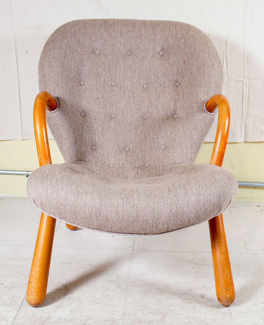 'Clam Chair' by Philip Arctander 2
