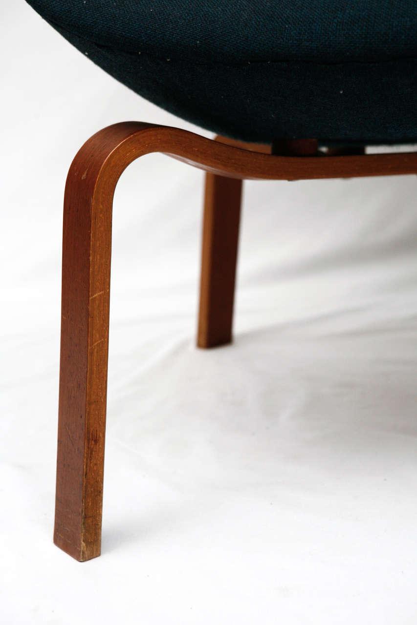 "Arne Jacobsen ""Swan"" Chair 3"