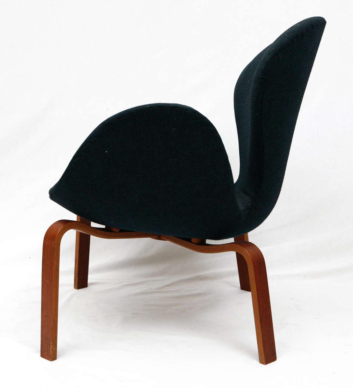 "Arne Jacobsen ""Swan"" Chair 5"
