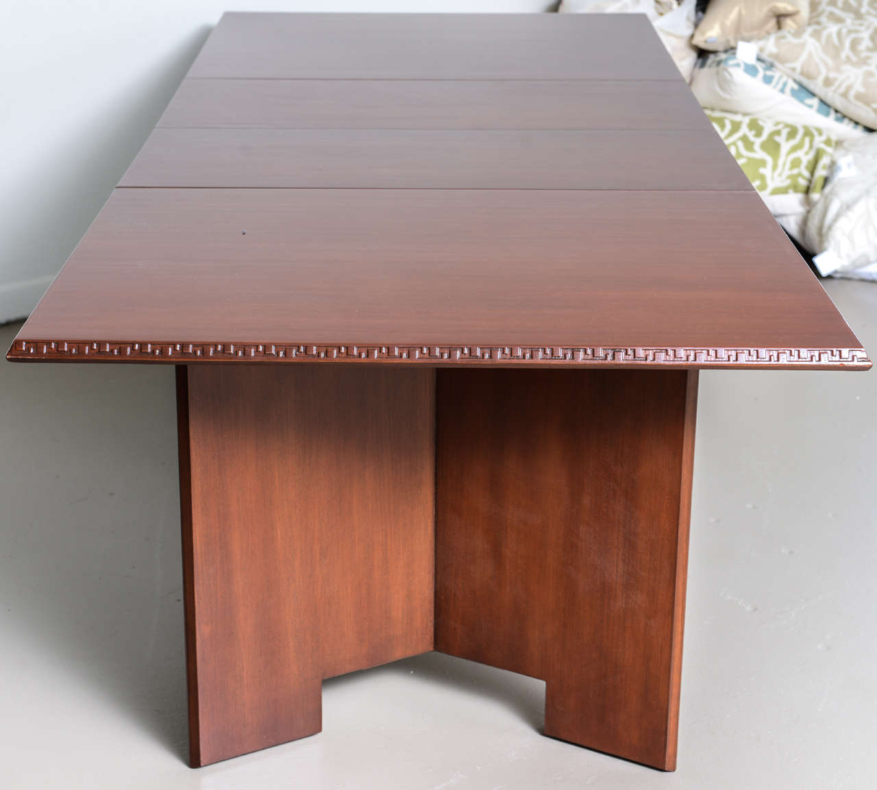 Frank Lloyd Wright Mahogany Extension Dining Table In Excellent Condition For Sale In Miami, FL