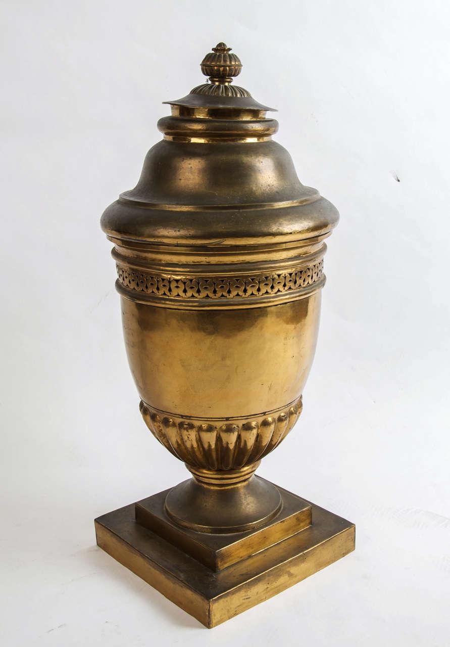Large brass lidded urn For Sale 2