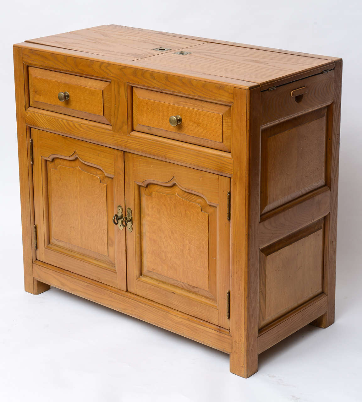 Henredon dry bar cabinet 1970s at 1stdibs for Home dry bar furniture