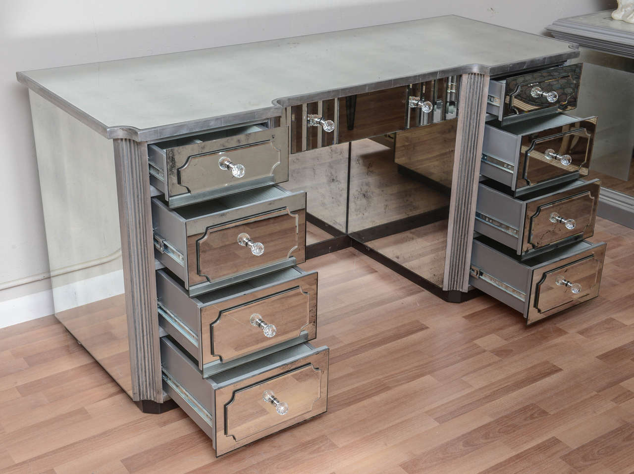 Good Mirrored Dressing Table Or Vanity With Nine Drawers 3