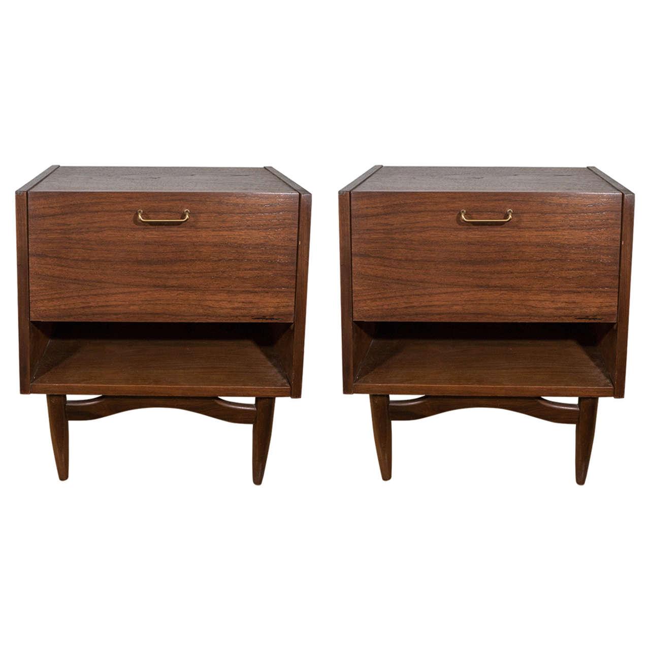 Midcentury pair of wooden nightstands by american of for Vintage american martinsville bedroom furniture