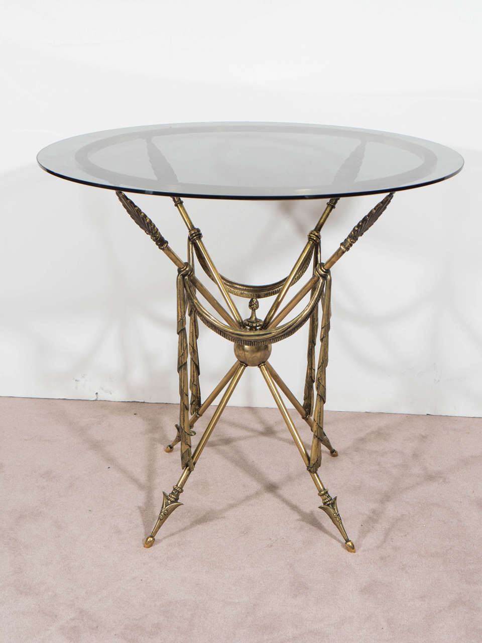 Mid-Century Pair of French Crossed Arrow Brass End or Side Tables For Sale 1