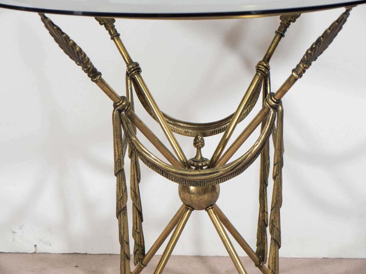 Mid-Century Pair of French Crossed Arrow Brass End or Side Tables For Sale 2