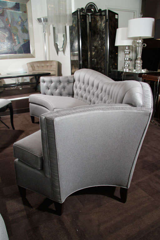 Glamorous 1940s Hollywood Curved Back Sofa For Sale 4