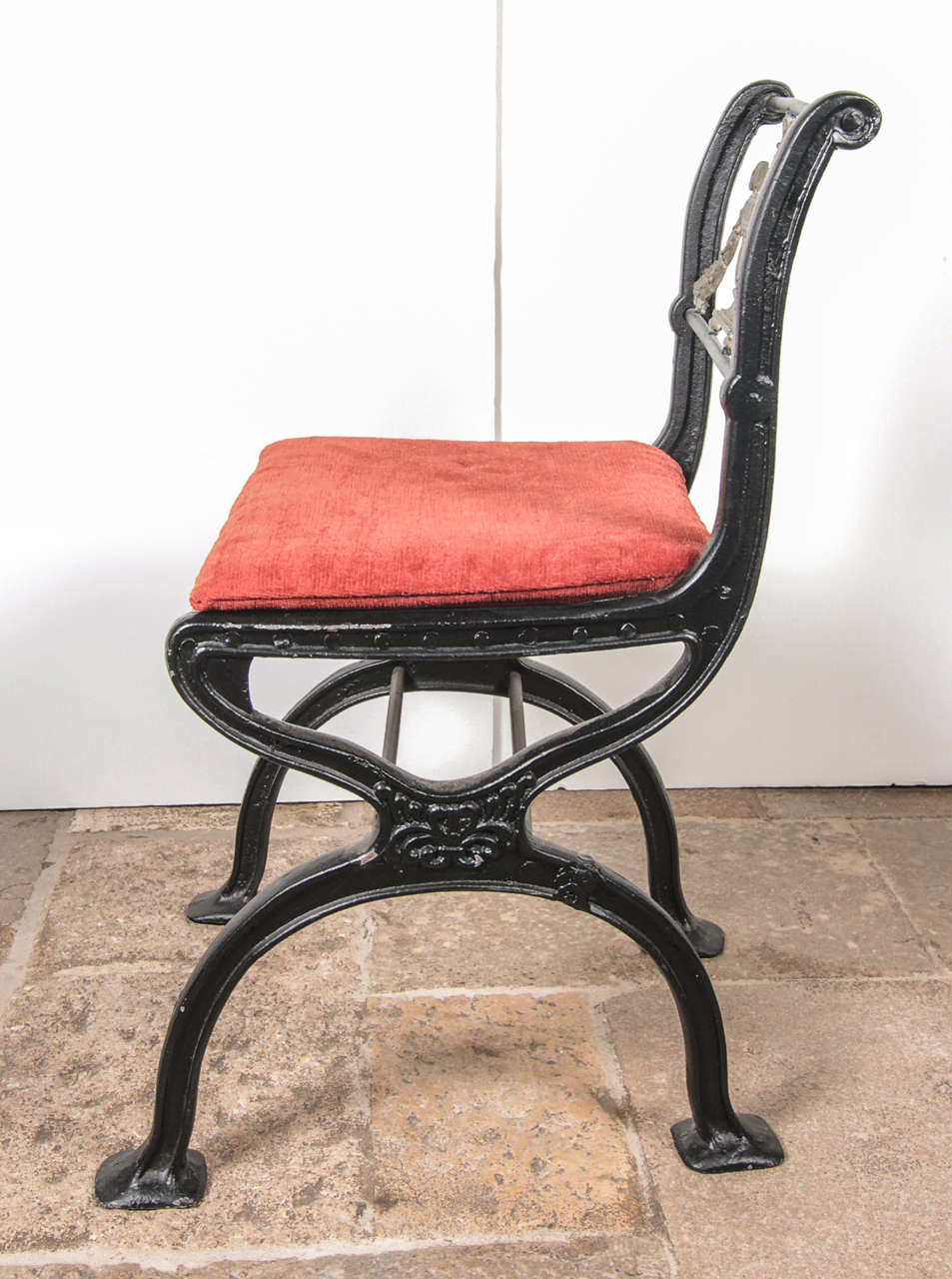 Set of Cast Iron and Bronze Garden Furniture For Sale 3