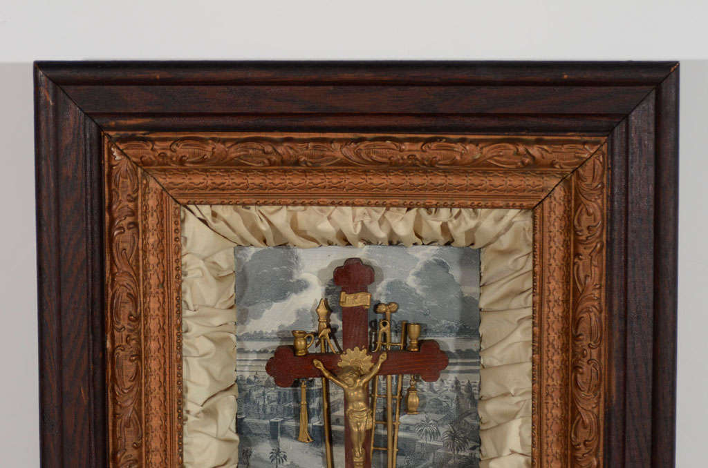 Antique Victorian Religious Shadowbox with Crucifix Scene In Good Condition For Sale In Stamford, CT