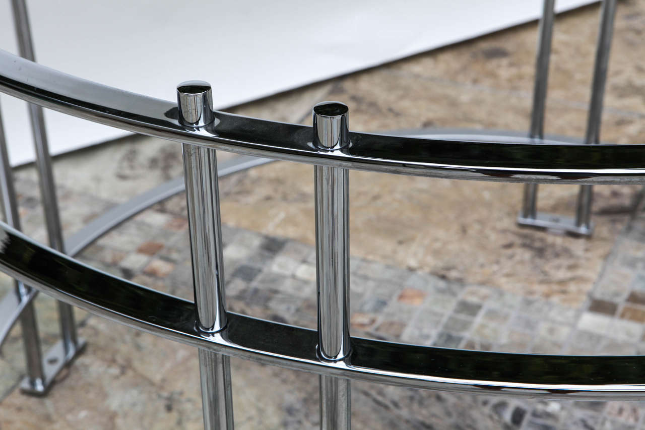 Vintage Round Dining Table with Glass Top In Excellent Condition For Sale In Los Angeles, CA