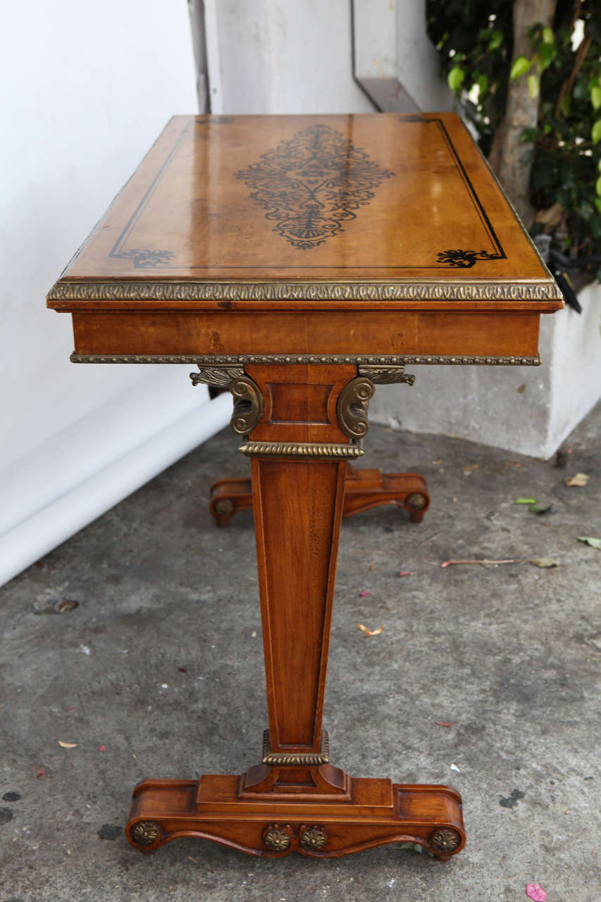 1940s French Satinwood Console Table with Inlay For Sale 3