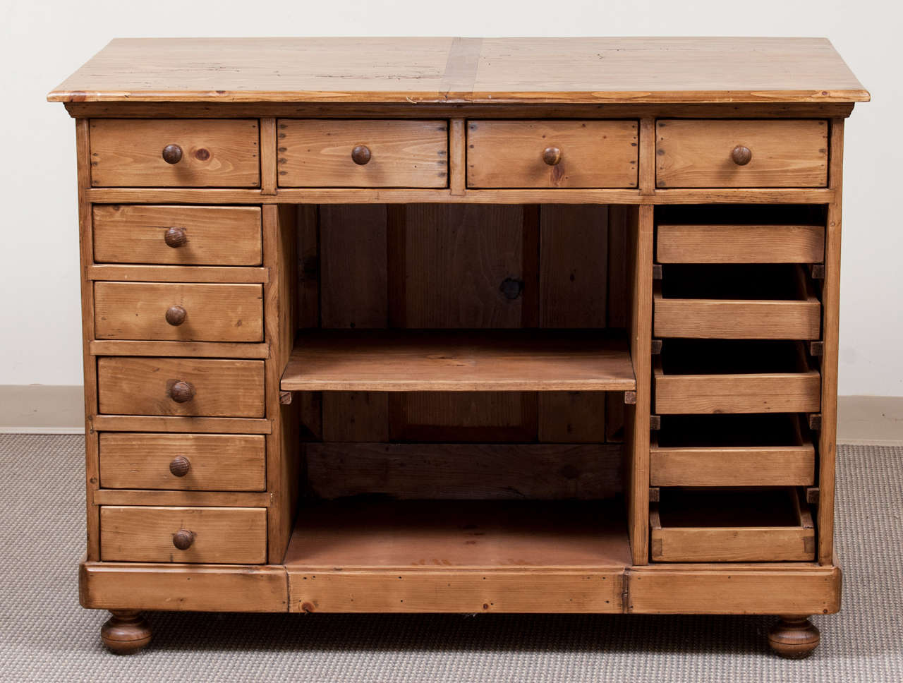 Pine kitchen island at 1stdibs for Pine kitchen furniture