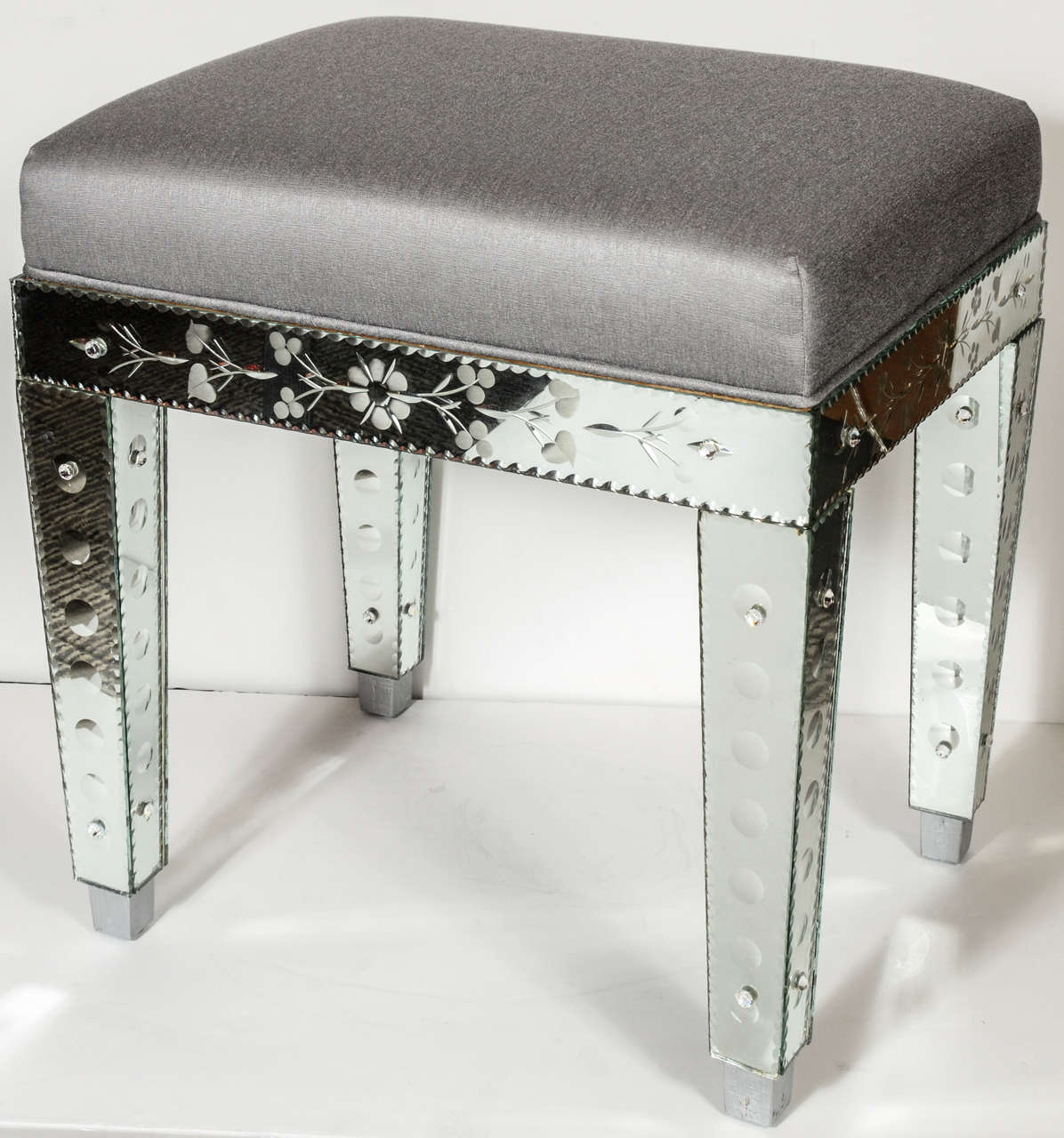 Venetian Style Mirrored Bench In Platinum Silk At 1stdibs
