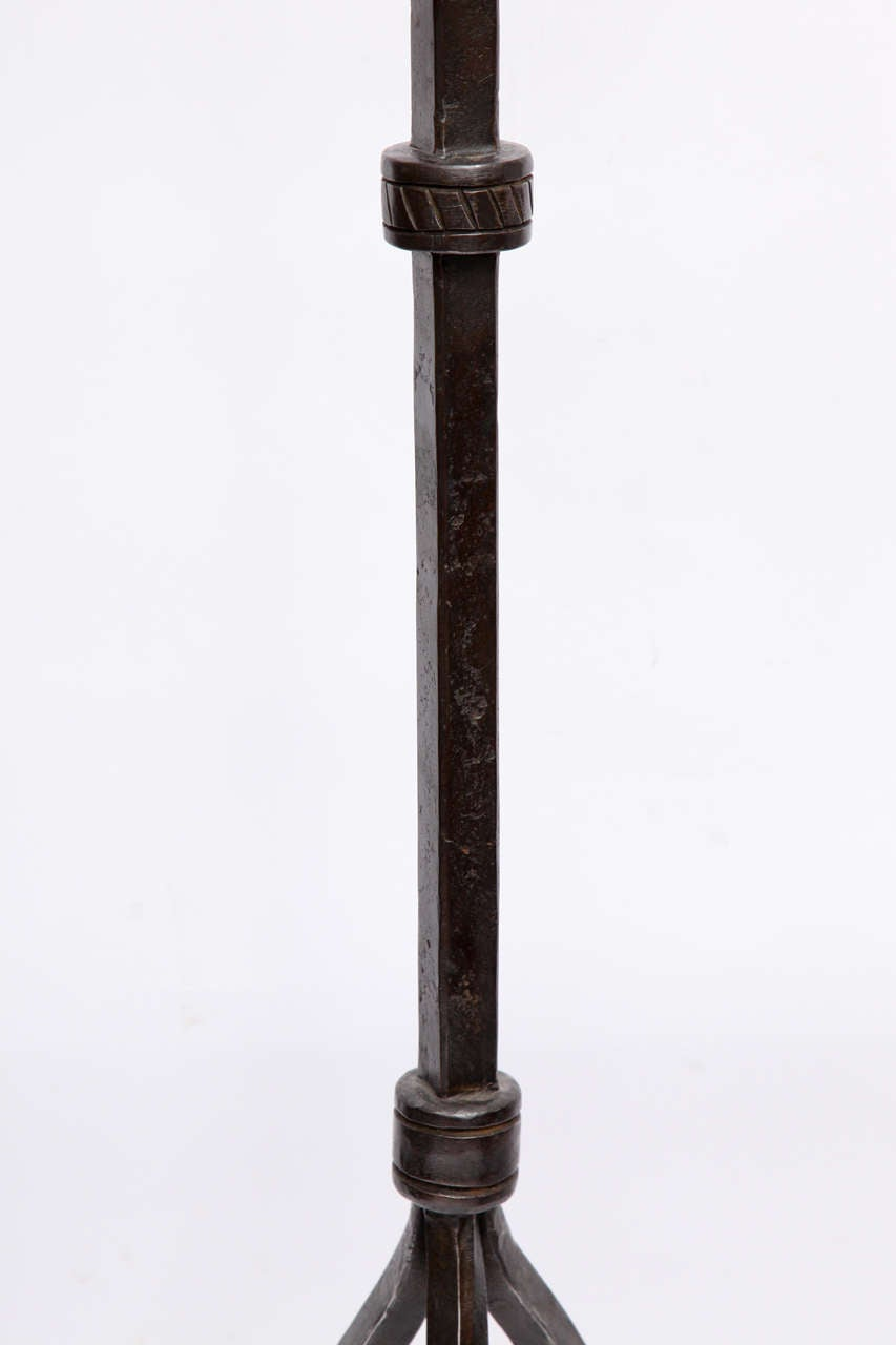 1920s american arts and crafts floor lamp by samuel yellin. Black Bedroom Furniture Sets. Home Design Ideas