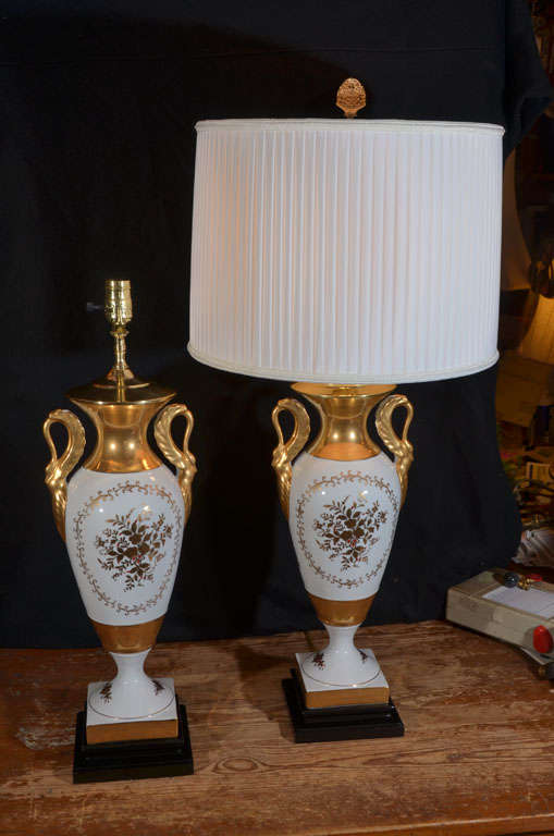 Isco Japan Hand Painted Vintage Classic Table Lamps Pair