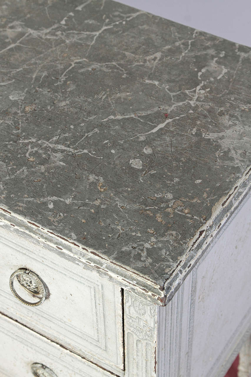 Pair of 19th Century French Louis XVI Painted Chest of Drawers with Faux Marble For Sale 3