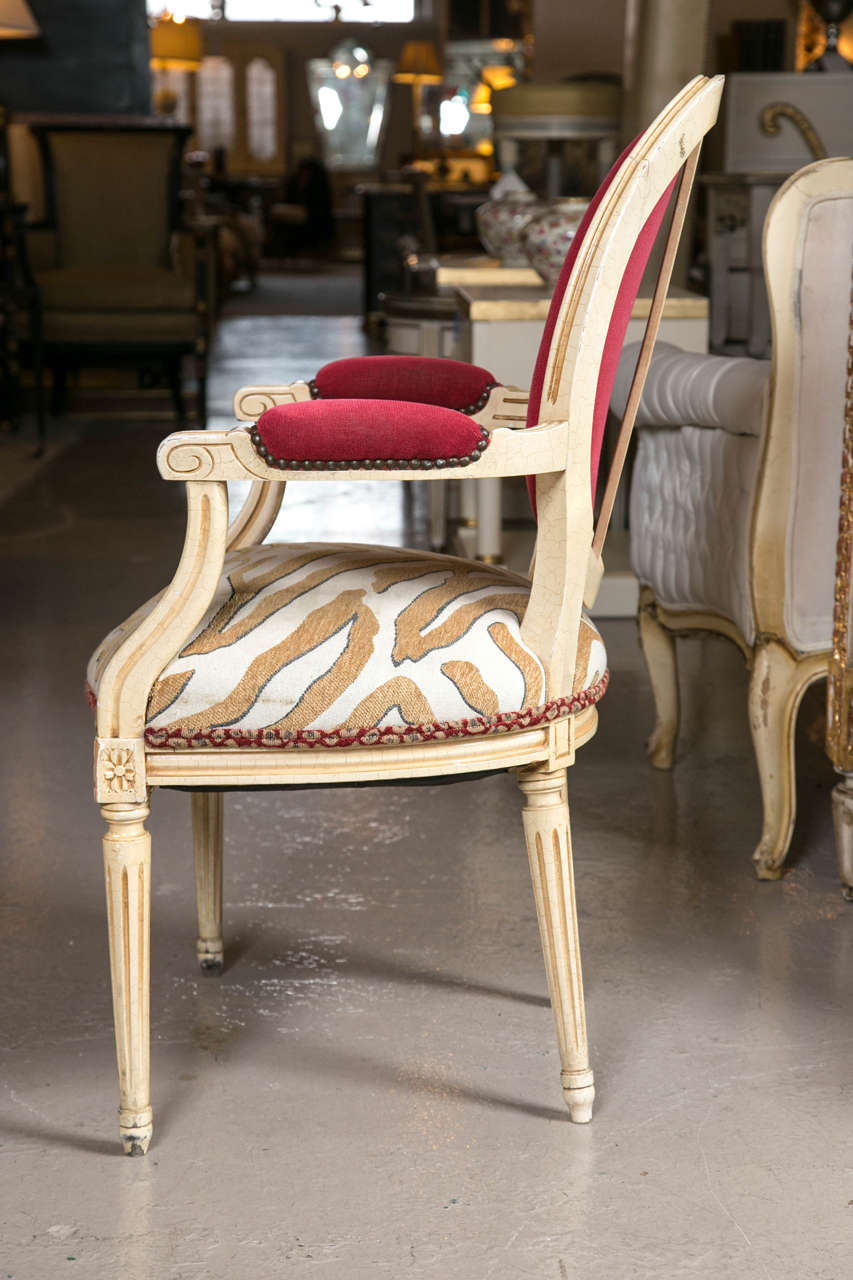 Set of Eight Hollywood Regency Style French Dining Chairs Attributed to Jansen In Good Condition In Stamford, CT