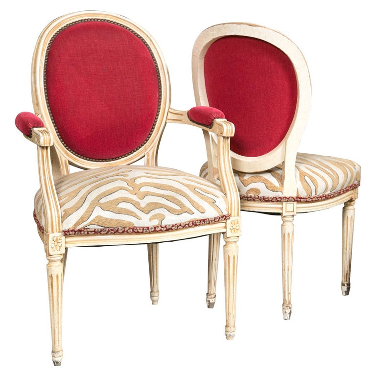 Set of Eight Hollywood Regency Style French Dining Chairs Attributed to Jansen
