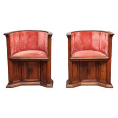 19th Century Pair of Italian Walnut Barrel Chairs