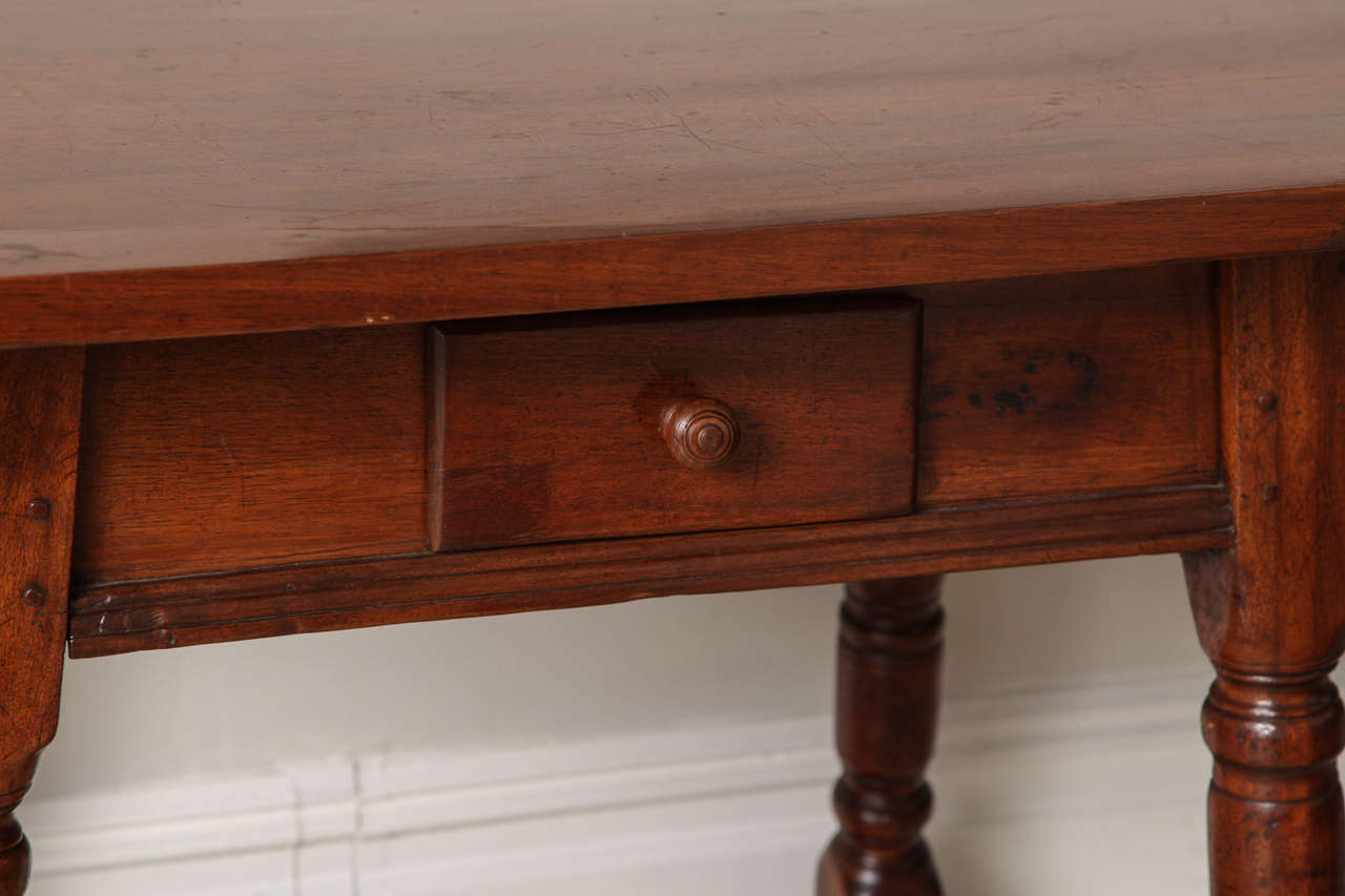 19th Century Mahogany Centre Table In Good Condition For Sale In New York, NY