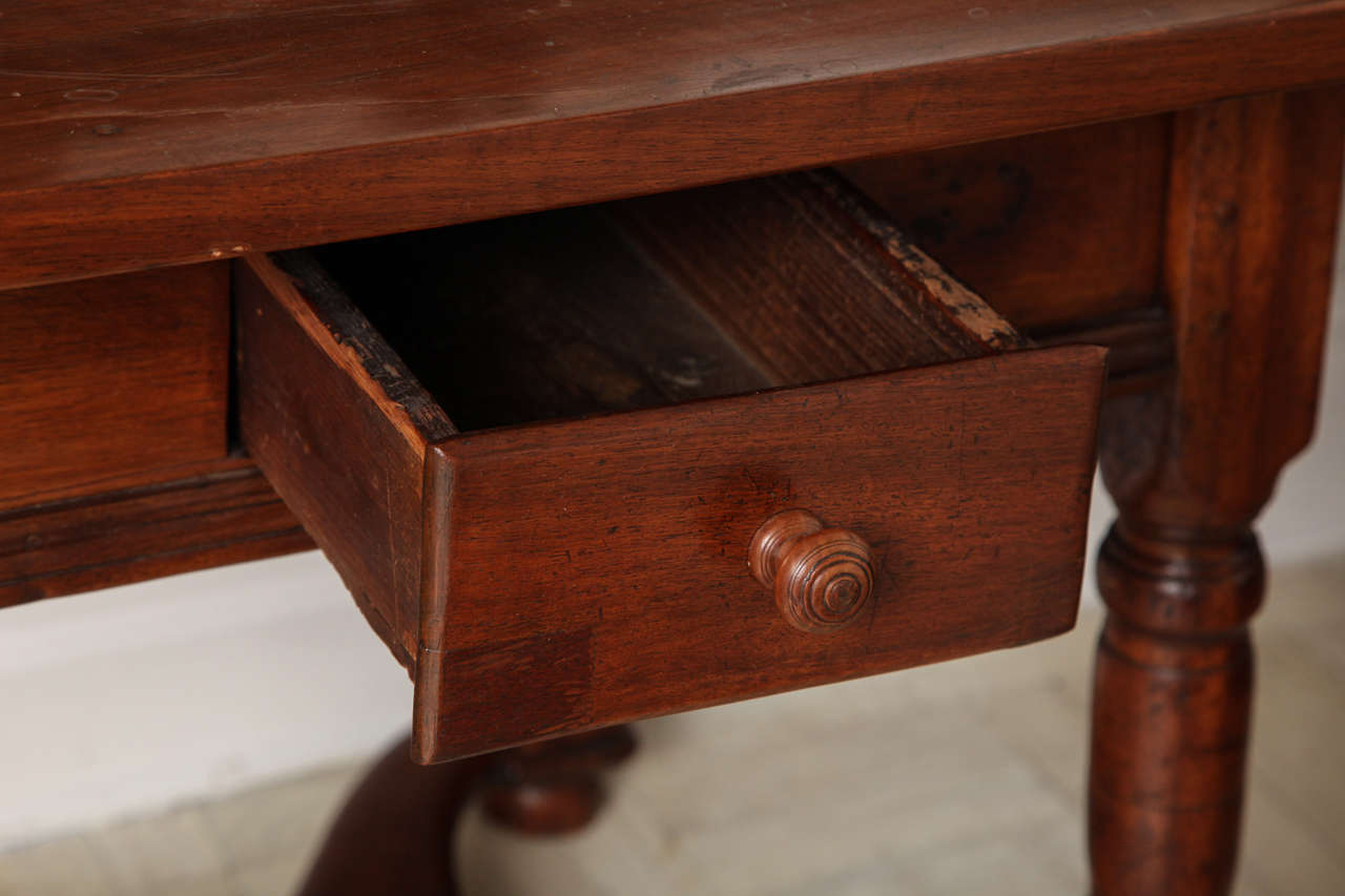 19th Century Mahogany Centre Table For Sale 1