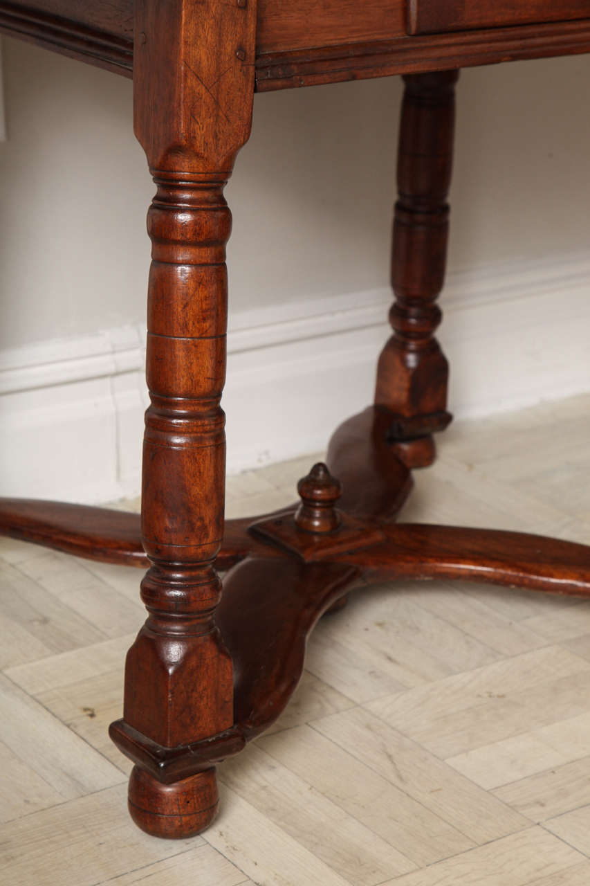 19th Century Mahogany Centre Table For Sale 2